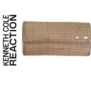 Kenneth Cole Reaction Large Wallet.